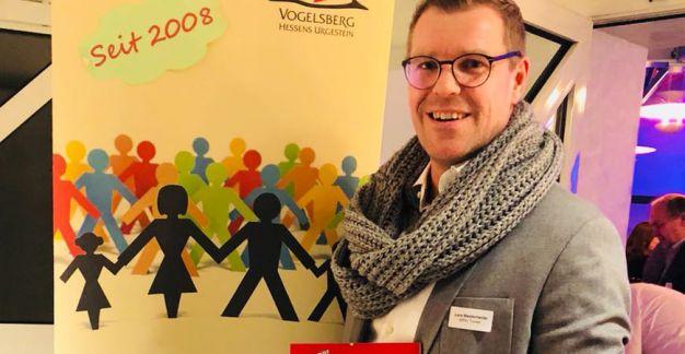 Lars Mesterheide mit Urkunde