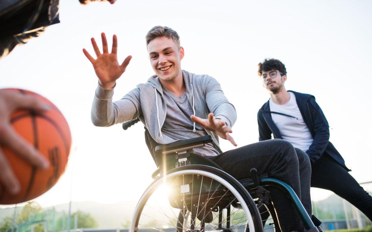 Basketballer im Rollstuhl